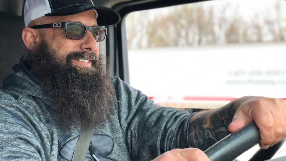 Trucker G Shares 28 Years of Industry Advice with Fellow Truckers, New and Veteran
